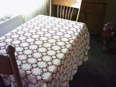 vintage crochet tablecloth pattern 400x300 10 Fabulous Free Crochet Patterns That Require 4000+ Yards of Yarn