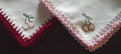 crochet edged handkerchief 15 Crochet Wedding Favors to Give Your DIY Wedding Guests