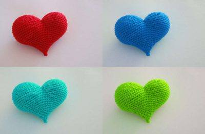 crochet hearts 400x263 15 Crochet Wedding Favors to Give Your DIY Wedding Guests