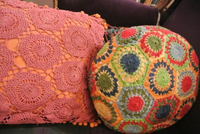 crochet motif pillows 400x268 Crochet Spotted on My Vacation (+ Drop Spindle Fun)