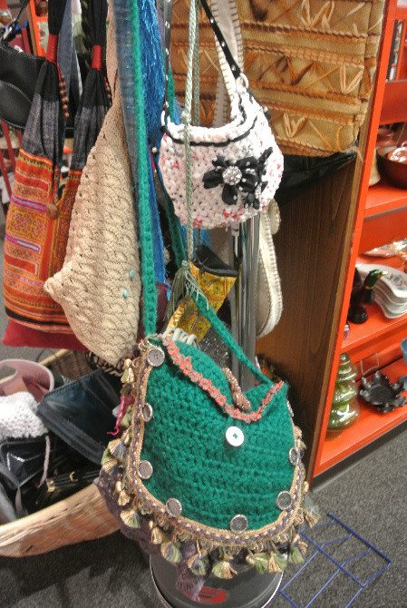 crochet purses and plarn Crochet Spotted on My Vacation (+ Drop Spindle Fun)