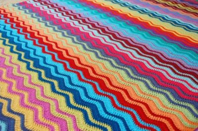 crochet ripple blanket 400x265 Crochet Link Love: Best Posts of the Week