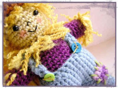 crochet scarecrow 400x300 This Weeks Crochet Link Love