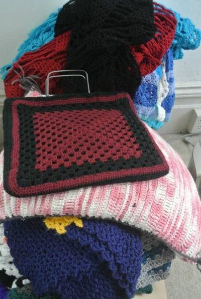 crochet stash 400x596 Crochet Blog Roundup: February in Review