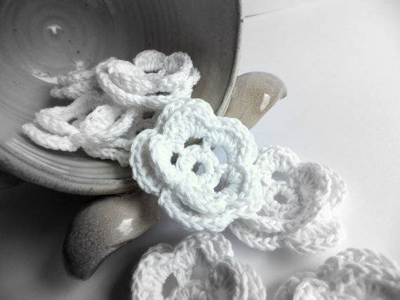 crochet wedding flowers Crochet Blog Roundup: October in Review