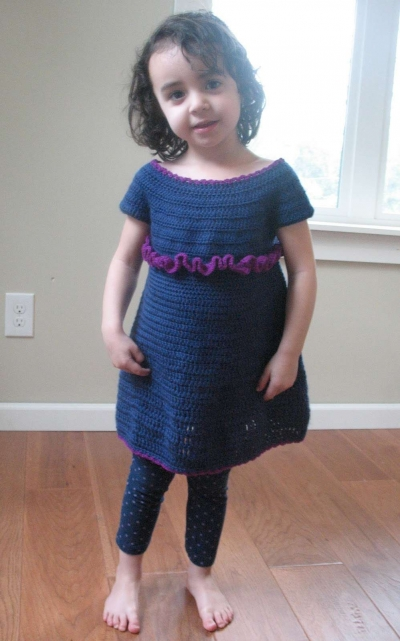 girls crochet dress 400x641 15 Beautiful Free Crochet Patterns for Girls Dresses