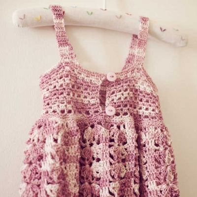 girls summer crochet dress 400x400 15 Beautiful Kids Crochet Dress Patterns to Buy Online