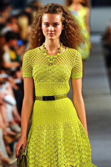 oscar de la renta crochet dress Designer Crochet: Oscar de La Renta
