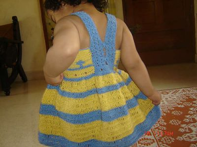 striped crochet baby dress pattern 400x300 15 Beautiful Free Crochet Patterns for Girls Dresses