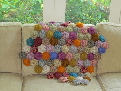 crochet stuffed quilt 400x300 Weighted Crochet Blankets for Children with Sensory Integration Dysfunction
