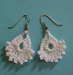 dainty crocht earrings Crochet Jewelry Ideas for Christmas Including 10 Free Crochet Patterns