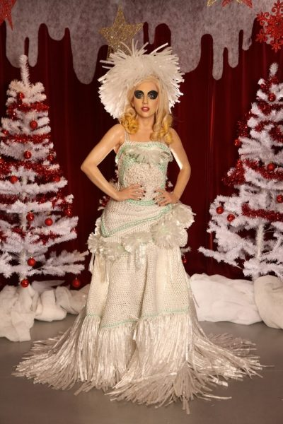 lady gaga crochet cling dress 400x600 Lady Gagas Crocheted Cling Wrap Gown