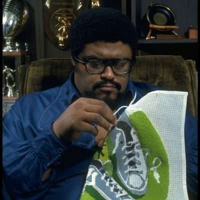 rosey grier needlepoint 400x400 Unique 1970s Crocheter: Pro Football Player Rosey Grier