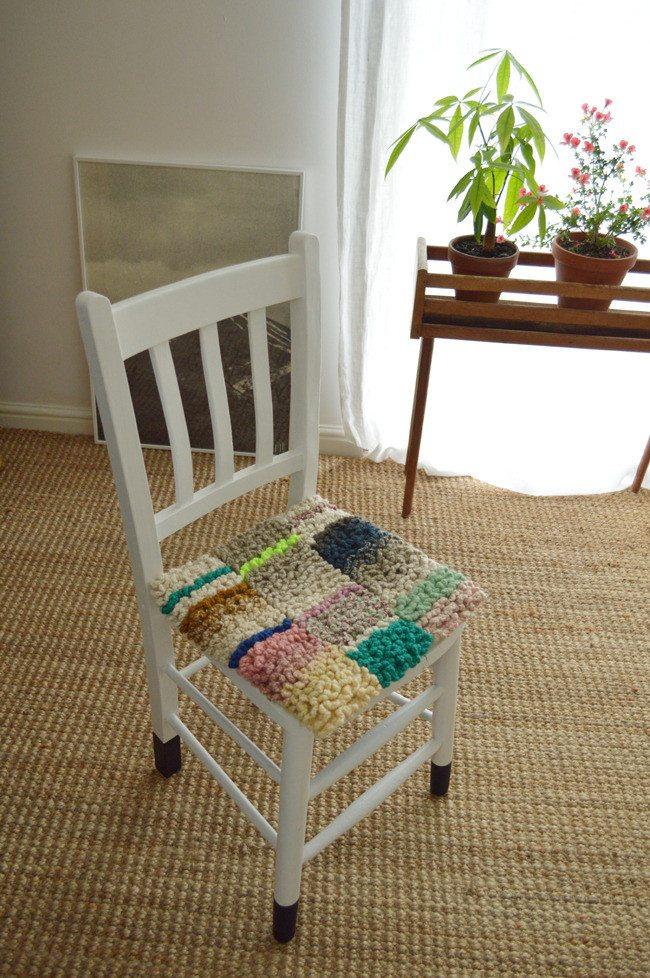 Renilde de Peuter crochet cushion