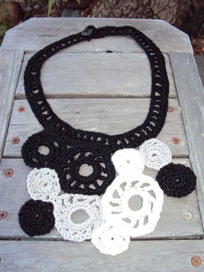 black and white crochet necklace 400x533 Then and Now in Crochet (12/16   12/31)