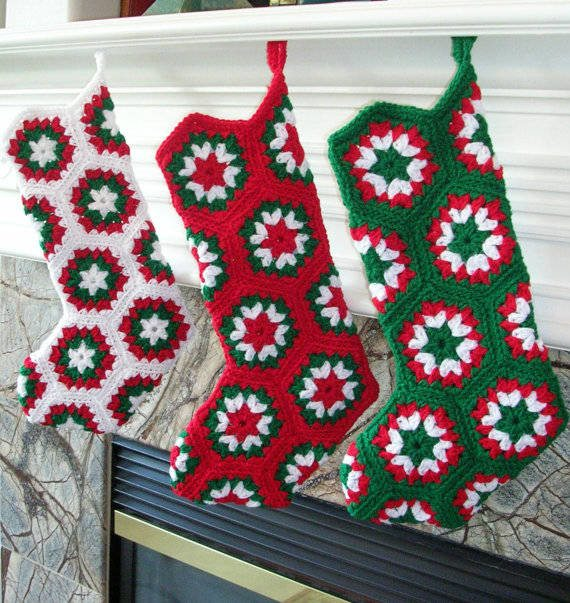 crochet christmas stocking 16 Heartwarming Examples of Beautiful Crochet Christmas Decor