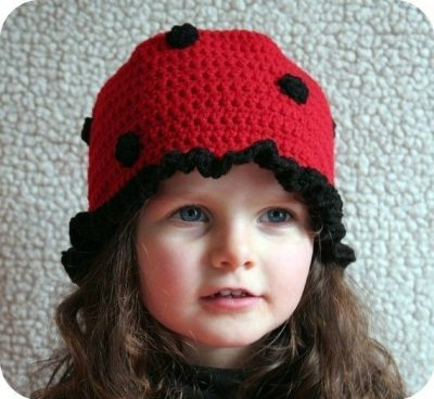 crochet ladybug hat 400x368 Day 4 of 12 Days of Crochet Christmas: Win Cute Crochet Patterns