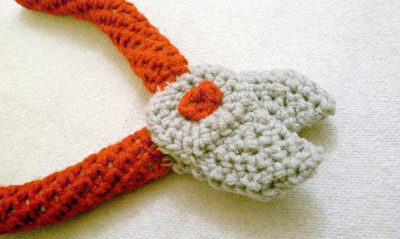 crochet pliers 400x239 Actress and Crochet Artist Sarah Louisa Burns