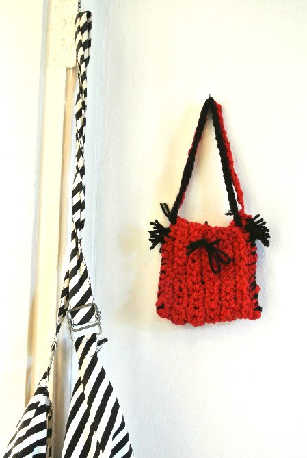 crochet purse Welcome to My Crochet Covered Home (Photo Tour)