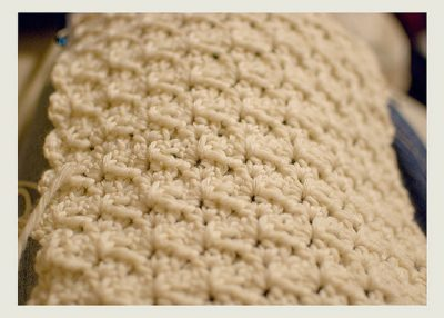 crochet scarf pattern 400x286 20 Free Patterns for One Skein Projects You Can Complete Before Christmas
