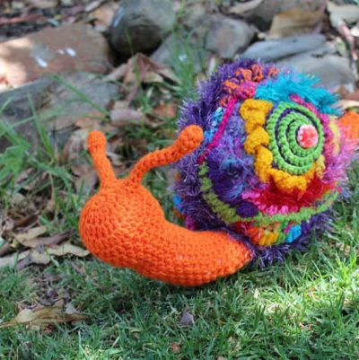 crochet snail 400x401 iPhone Game Features Crocheted Characters