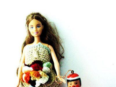 renilde barbie crochet 400x300 Belgian Home Crochet Artist Renilde de Peuter