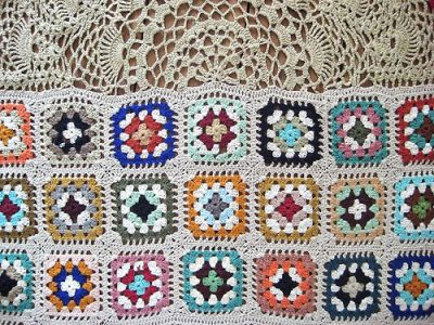 renilde granny squares 400x300 Belgian Home Crochet Artist Renilde de Peuter