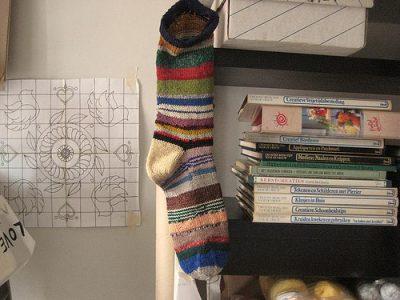 renilde knitting 400x300 Belgian Home Crochet Artist Renilde de Peuter