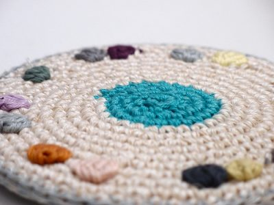renilde potholder crochet 400x300 2012 in Crochet: Crochet Art and Artists