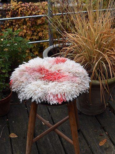stool renilde Belgian Home Crochet Artist Renilde de Peuter