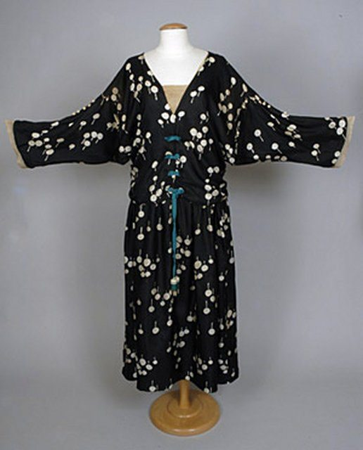 1921 crochet trim poiret dress