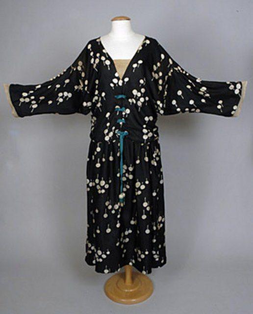 1921 Crochet vestido guarnecido poiret