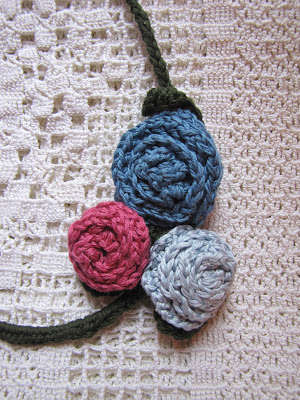 crochet necklace 3 Link Love! Best Crochet Posts of the First Week of the Year