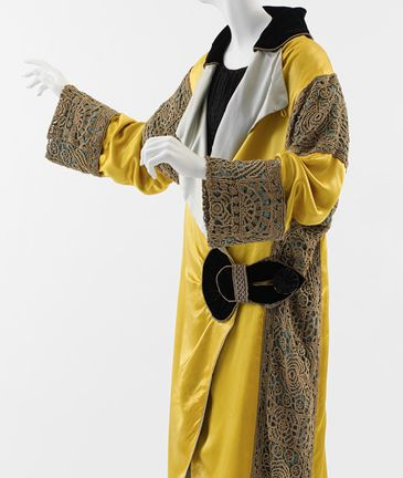 crochet poiret coat Designer Crochet Project: Paul Poiret