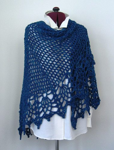 Crochet Pattern For Nursing Shawl : 10 Crochet formidable ch?le modelistes et leurs modeles ...