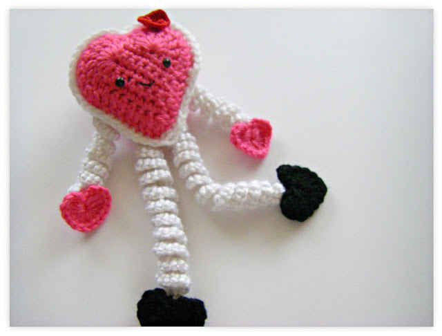 crochet valentine This Weeks Crochet Link Love