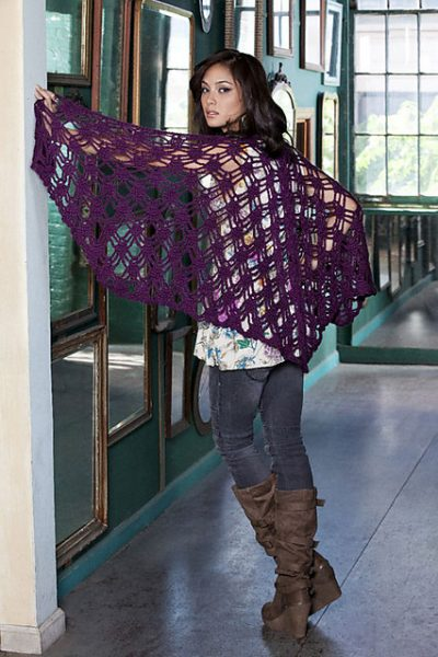 free pattern crochet shawl 400x600 10 Terrific Crochet Shawl Pattern Designers and their Most Popular Patterns