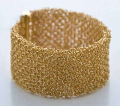 Bracciale filo uncinetto oro