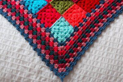 granny square blanket 400x266 Crochet Link Love!!