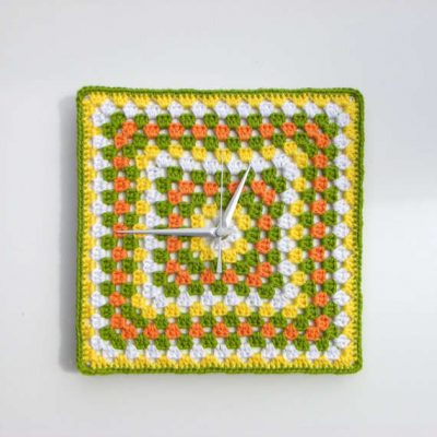 granny square clock 400x400 Crochet Blog Roundup: January in Review