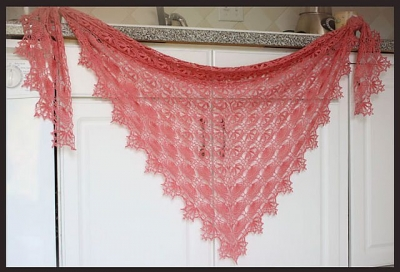 lightweight crochet shawl pattern 400x272 10 Terrific Crochet Shawl Pattern Designers and their Most Popular Patterns