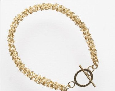 braccialetto all'uncinetto di filo
