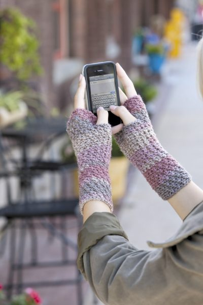 Xst Mitt LA 400x600 Crochet Texting Mitts (Review, Interview, Blog Tour and Giveaway!)