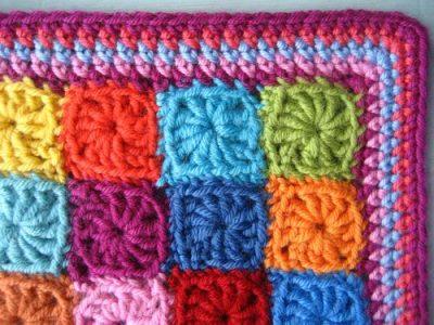 manta de crochê colorido