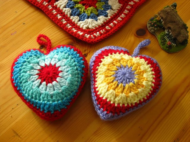 crochet heart pattern1 I Heart Crochet Blogs! This Weeks Link Love!