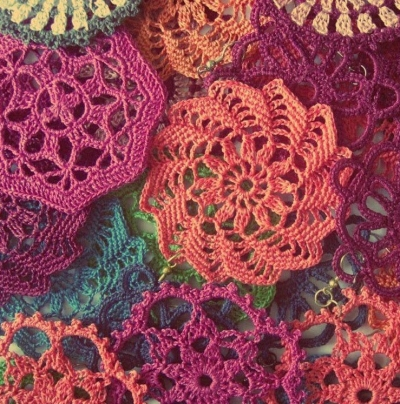 crochet motifs trey ajusto 400x404 Gantsilyo: Crochet in the Philippines and Trey Ajusto