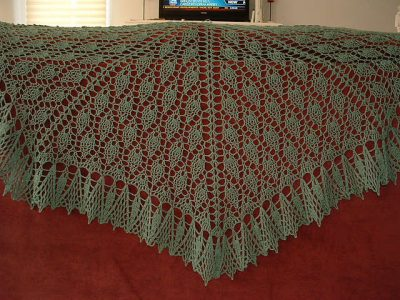 leaf crochet shawl pattern 400x300 10 Most Popular Free Crochet Shawl Patterns