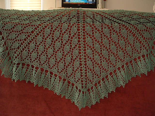Crochet Pattern For Small Shawl : leaf crochet shawl pattern