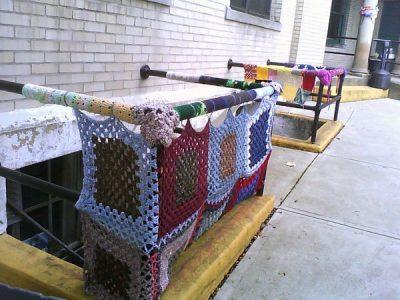 yarnbombing crochet 400x300 Crochet: 2011, 2012, 2013 (2/18   2/24)