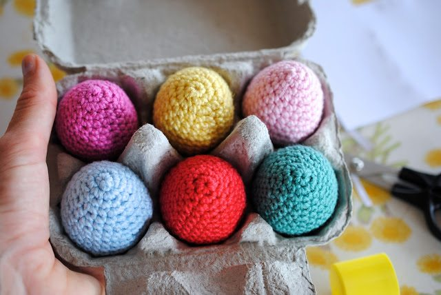Greedy for Colour just made these new crochet easter eggs and reminds ...
